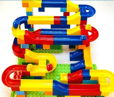 Конструктор детский (Hoyo Marble Run Coaster with Building Blocks and Race Marbles Set, Marble Game Race Railway Track Construction Learning Educational Toys, Endless Fun Kit (47pcs)) (фото, вид 1)