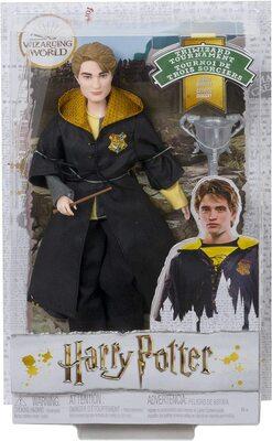 Кукла Седрик Диггори - Кубок огня с кубком (Harry Potter Cedric Diggory Collectible Triwizard Tournament Doll) (фото, вид 1)