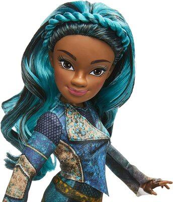 """Кукла Ума из серии """"Наследники Дисней 3"""" (Disney Descendants Uma Fashion Doll, Inspired by Descendants 3) (фото, вид 2)"""