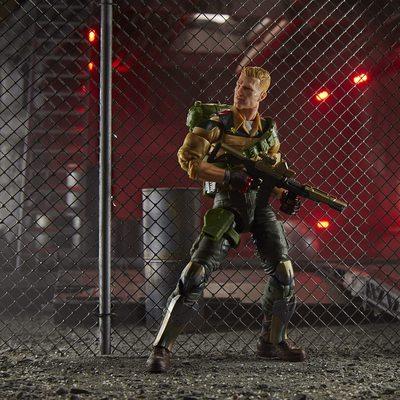 Фигурка Джи Ай Джо №04 Дюк с аксессуарами, премиум-класс G.I. Joe (Duke Action Figure Collectible 04 Premium Toy with Accessories) (фото, вид 2)