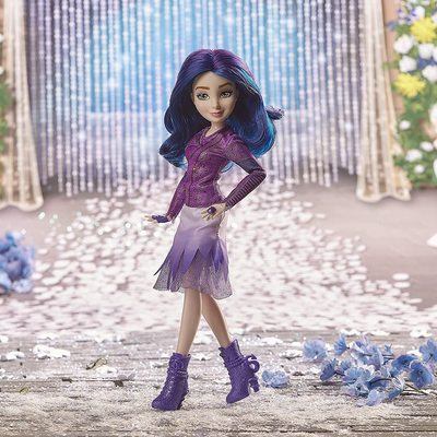 Кукла Мэл «Королевская свадьба», «Наследники Диснея -3» (Disney Descendants Mal Doll, Inspired by Disney The Royal Wedding) (фото, вид 2)