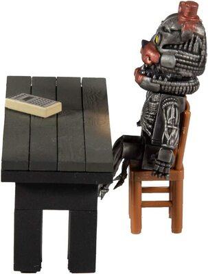 Комната Спасения - конструктор пять ночей с Фредди 32 дет. (McFarlane Toys Five Nights at Freddy's Salvage Room Micro Construction Set) (фото, вид 2)