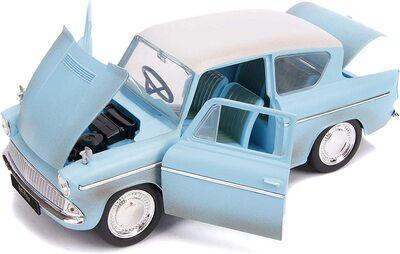 Кукла Гарри Поттер и литой автомобиль Форд Англия 1959 г., масштаб 1:24 (1:24 Harry Potter and 1959 Ford Anglia Die-Cast Vehicle) (фото, вид 2)