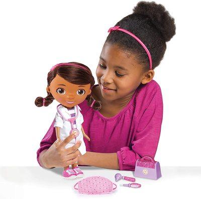 Кукла, поющая «Помой свои ручки», с маской и набором врача - «Доктор Плюшева» - Дисней (Doc McStuffins Disney Junior Wash Your Hands Singing Doll) (фото, вид 1)
