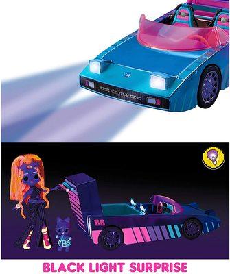 Набор кукла ЛОЛ Дэнсбот в кабриолете для танцев. (LOL Dance Machine Car with Exclusive Doll, Dance Floor and Magic Black Light) (фото, вид 3)