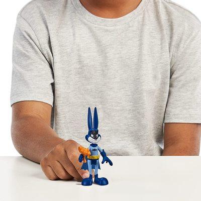 Багз Банни (Бэтмен) из серии «Космический джэм - Новое Наследие». (SPACE JAM: A New Legacy - Baller Action Figure - Bugs Bunny (Batman)) (фото, вид 2)