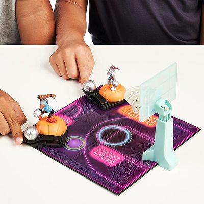 Набор для игры в Данк с фигурой Леброна Джеймс из серии «Космический джэм - Новое Наследие». (SPACE JAM: A New Legacy - Super Shoot & Dunk Playset with Lebron Figure) (фото, вид 4)